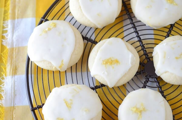 Lemon Meltway Cookies: a super soft lemon shortbread style cookie ...