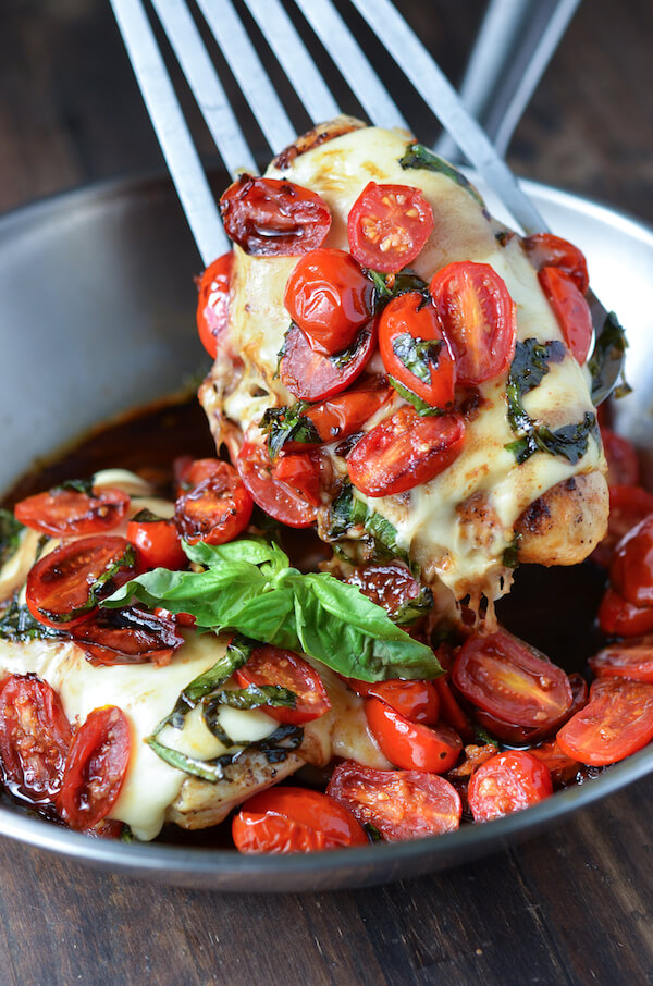 Caprese Chicken via thenovicechefblog.com