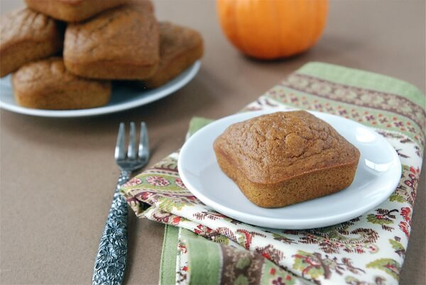 Pumpkin Snack Cake - Under 100 Calories! (recipe via thenovicechefblog.com)
