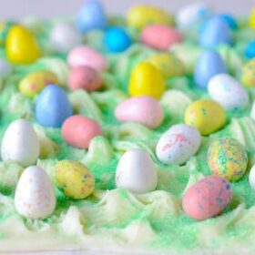 Easter Egg Bark Candy via www.thenovicechefblog.com