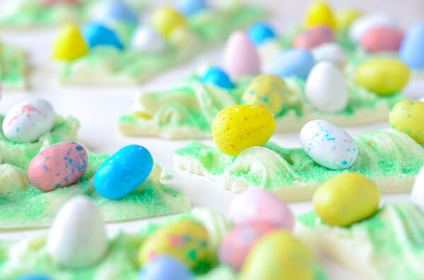 Easter Egg Bark Candy -- a fun and easy way to use up any leftover easter candy!