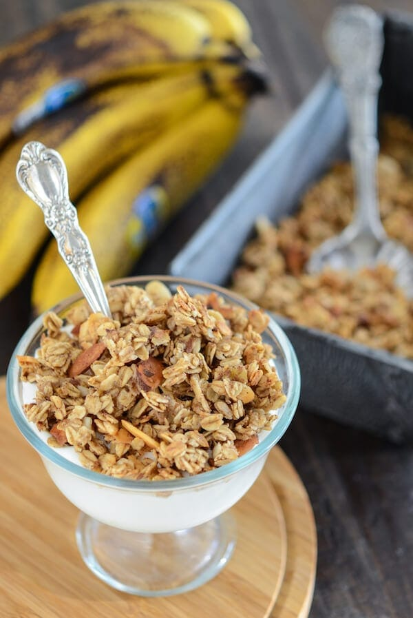 Banana Nut Bread Granola - a great way new way to use up an over ripe banana! Recipe via www.thenovicechefblog.com