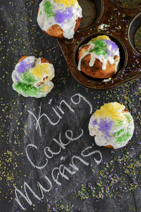 How To Make A King Cake With Cinnamon Rolls